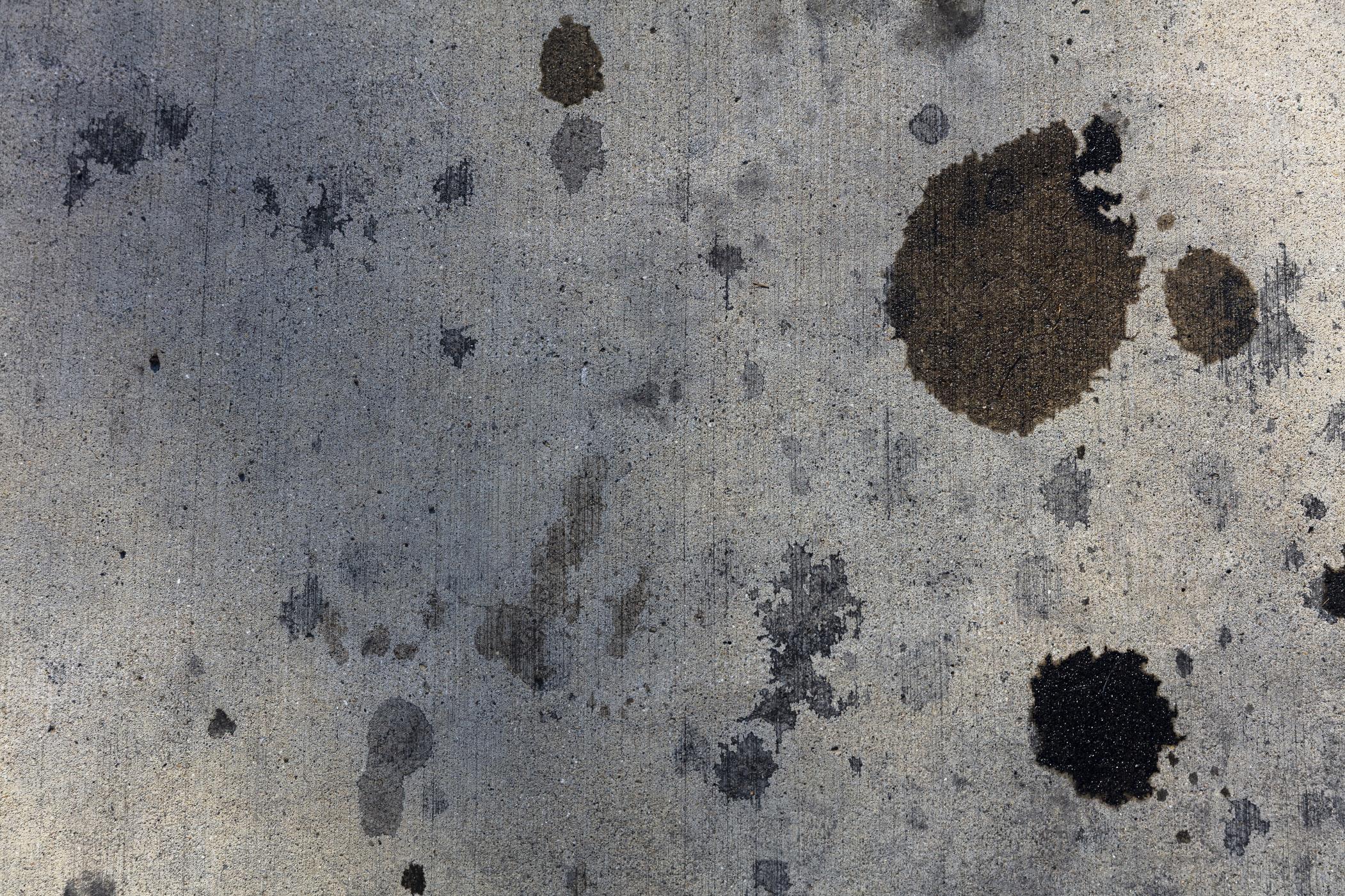 Wie bekomme ich Ölflecken aus der Kleidung?